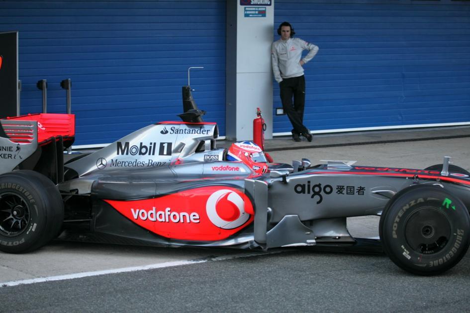El McLaren saliendo de boxes (Jesús Mendoza ©)