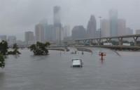 'Harvey' se salda con 44 muertos en Texas y continúa su avance hacia el estado de Tennessee