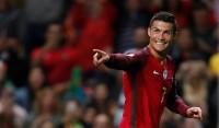 Cristiano sonríe a base de goles pero Suiza sigue líder