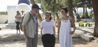 Tres actores de 'Juego de Tronos' visitan la isla de Lesbos