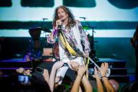 Exhibición de rock a cargo de Steven Tyler en el Starlite Festival Marbella