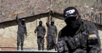 Policías se amotinan en varias ciudades de Bolivia