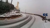 La nieve llega a 200 metros del nivel del mar y afecta a la circulación en 16 carreteras