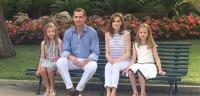 Felipe VI admite que las vacaciones están siendo