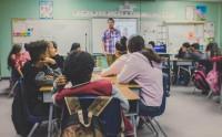 Agredir a profesores puede ser penado con hasta cinco años de cárcel