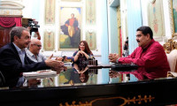 Maduro recibe a Zapatero en Caracas tras la última ronda de diálogo con la oposición de Venezuela