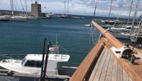 Avanzan los trabajos de arreglo del barcos Hispania en el Puerto Sotogrande