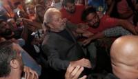 Lula sale a pie de la sede del Sindicato Metalúrgico y se entrega a la Policía