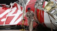 Recuperada una de las 'cajas negras' del avión de AirAsia siniestrado