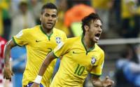 Neymar marca el ritmo de Brasil