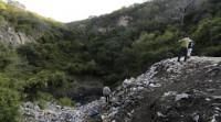 Los restos hallados en las fosas de Iguala no son de los 43 estudiantes