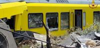 27 muertos en un choque frontal de dos trenes en Italia