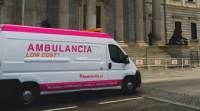 Ambulancias con ofertas 'low cost' recorren Madrid