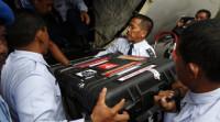 Empiezan a examinar las 'cajas negras' del avión de AirAsia siniestrado