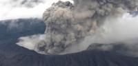 El volcán Monte Aso de Japón entra en erupción