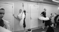 La fotógrafa Andrea Santolaya muestra en el Palau la parte más humana de la danza