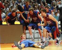 El Barcelona regresa a la vida en Madrid  (75-81)