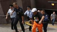 Al menos diez muertos al descarrilar un metro en Moscú
