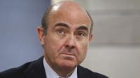 De Guindos dice que no hay más casos de tarjetas 'B' como las de Bankia