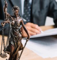 10 cosas en las que puede ser útil un abogado, según SocialOnce Marketing&Internet