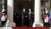 Hollande toma el relevo de Sarkozy como séptimo presidente de la República francesa