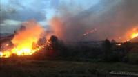 El fuego avanza sin control en Bolbaite (Valencia)