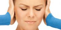 9 de cada 10 españoles sufren pitidos o sensación de embotellamiento en el oído al viajar