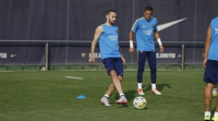 Aleix Vidal se estrena en un entreno del Barcelona