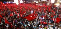 Miles de turcos celebran el fracaso del golpe de Estado