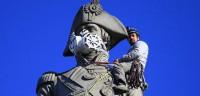 Mascarillas en estatuas londinenses para denunciar la contaminación