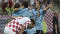El corazón bombea a España a cuartos como líder (0-1)