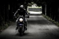 Prevenir caídas en moto en invierno: Esto es lo que debes saber