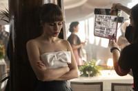 Amazon Prime Video muestra en primicia el set de rodaje de 'Un Asunto Privado'