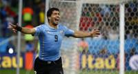 Suárez resucita a Uruguay