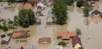 Las inundaciones de Serbia y Bosnia dejan 35 muertos
