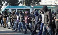 Multas de hasta 300.000 euros por usar capuchas en actos vandálicos