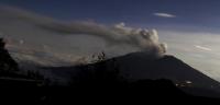 El volcán Turrialba, más de 30 horas de erupción en Costa Rica
