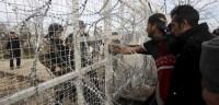 Grecia traslada a inmigrantes atrapados en la frontera con Macedonia