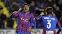 El Levante remonta al Granada en un duelo de necesitados