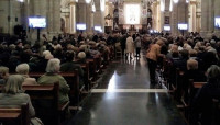 Familiares, amigos y dirigentes del PP llenan la Catedral de Valencia para rezar por Rita Barberá