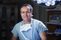 Conociendo al Dr.  Alfredo Quiñones-Hinojosa