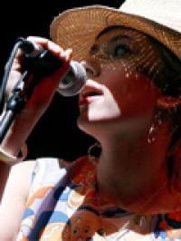 Scarlett Johanson, sexy actriz y sexy cantante