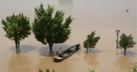 Asciende a 62 muertos el balance del paso del tifón 'Rammasun' por China