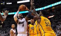 LeBron James deja a Miami a un paso de las Finales