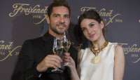 David Bisbal y María Valverde brindan con Freixenet
