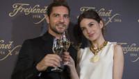 David Bisbal y María Valverde brindan con Freixenet