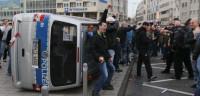 Graves disturbios entre ultraderechistas y policías en Colonia
