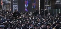 Miles de policías dan la espalda al alcalde de Nueva York