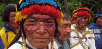 Cientos de indígenas toman el control de un aeropuerto en Perú