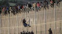 70 inmigrantes entran en Melilla y 30 se encaraman a la valla